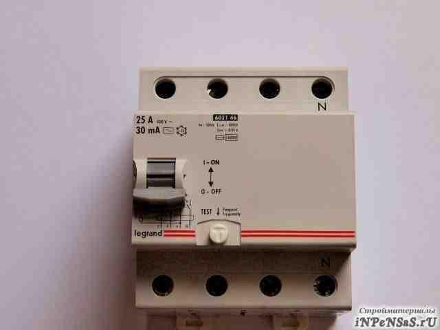Узо устройство защитного откл. Legrand LR 4P 25A